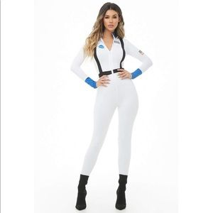 NWT Nasa Halloween White Jumpsuit Costume